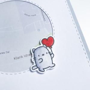 Den sødeste lille kat fra Mama Elephant. TIP: sæt et stykke transparent papir over landkortet for en blank overflade...